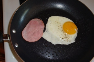 eggs and canadian bacon